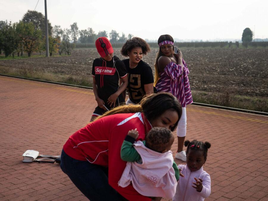 04 Resilienza Centro Donna Giustizia Nigerian Women Migration Representation Selene Magnolia