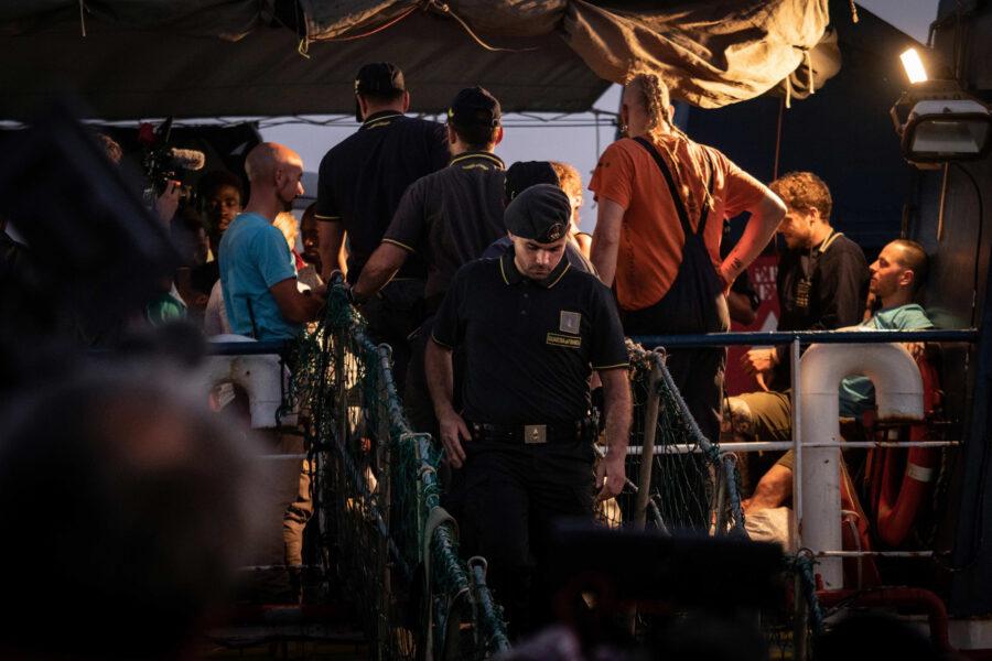 12 Sea Watch 3 Arriving Lampedusa Standoff Carola Rackete Mediterranean Selene Magnolia