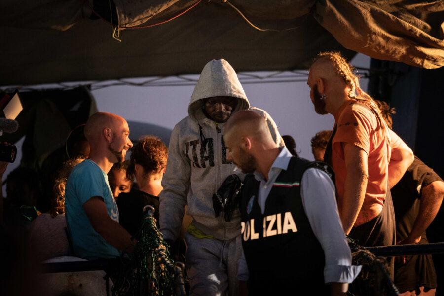 20 Sea Watch 3 Arriving Lampedusa Standoff Carola Rackete Mediterranean Selene Magnolia