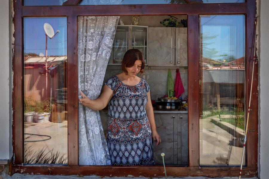 27 Reortage Gypsy Ghetto Bulgaria Selene Magnolia Zor 2020 06 28 Stolip 32